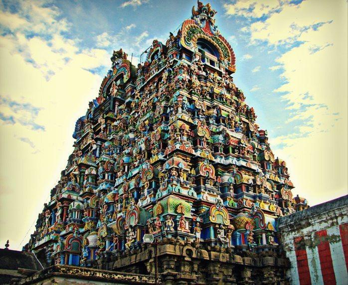 Stunning architecture of the Tirunelveli temple tower